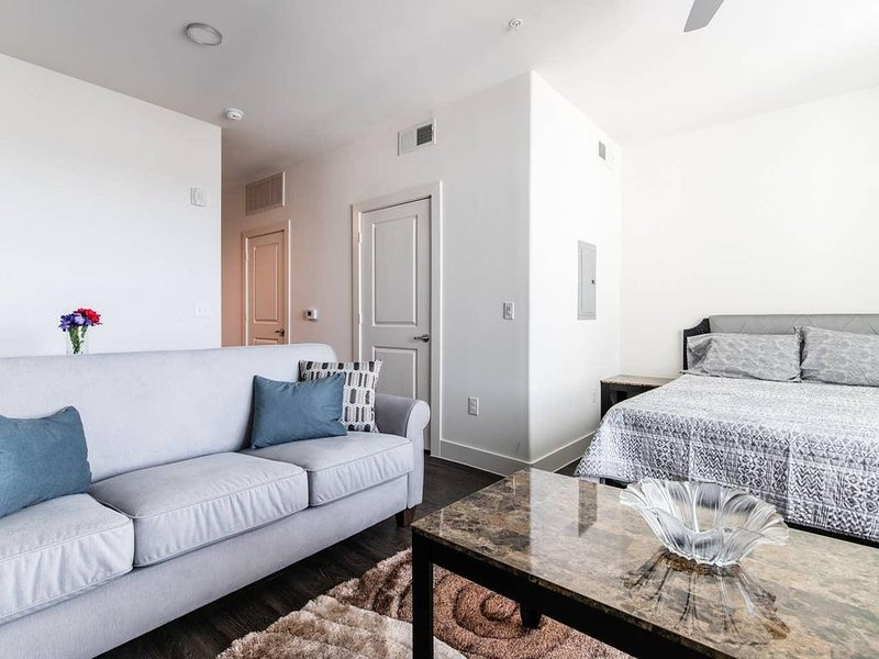LegacyWest|Corporate|Studio|Courtyard View, alquiler vacacional en Plano