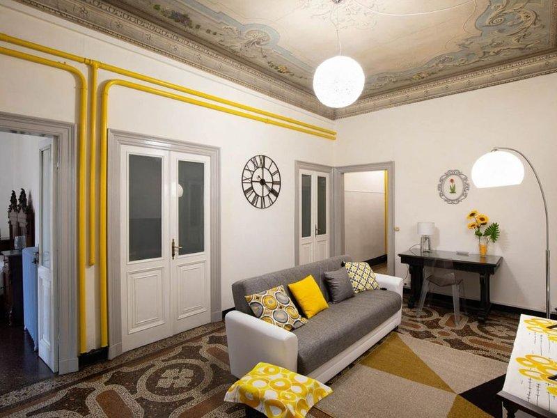 Corso Mazzini - Appartamento con 3 camere da letto in centro a Savona, vacation rental in Ellera
