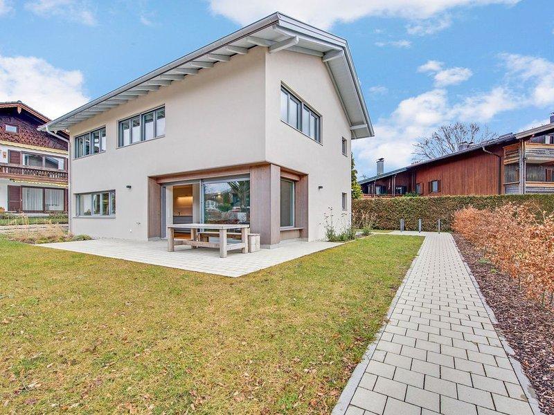 Modernes Ferienhaus Seebruck am Chiemsee mit WLAN, Garten und Terrasse; Parkplät, location de vacances à Trostberg an der Alz