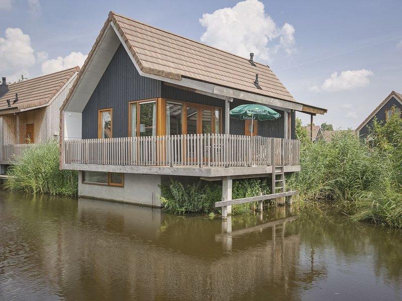 Luxus 4-Personen-Wasserhaus im Ferienpark Landal De Reeuwijkse Plassen – semesterbostad i Aarlanderveen