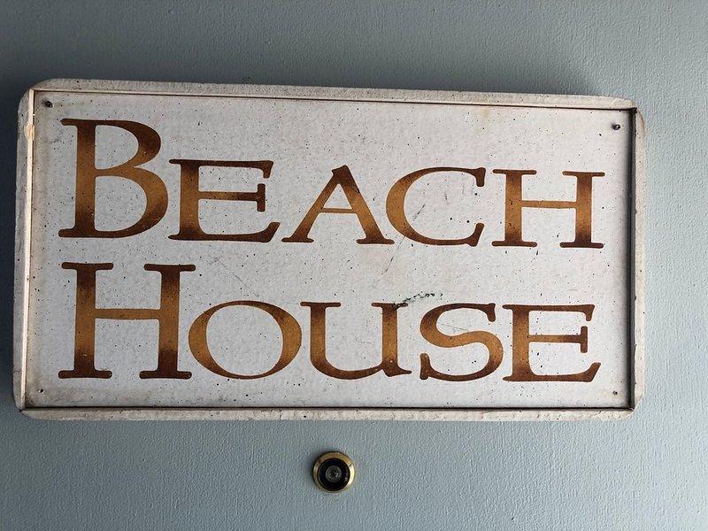 Beach House · Beach House - Quiet, Relaxing Neighborhood, holiday rental in Alpine