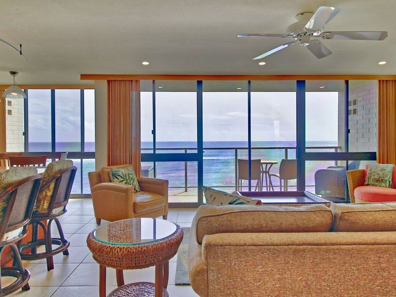 Beautiful Condo at Water`s Edge with Air Conditioning!!!, vacation rental in Kalaheo