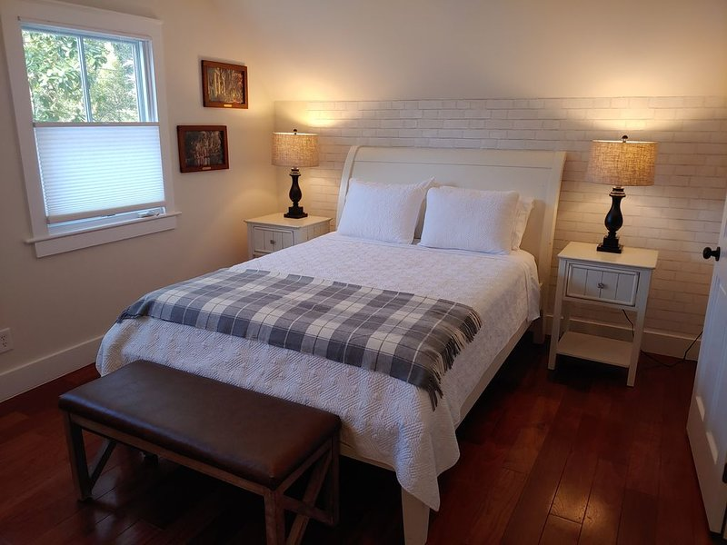 Carriage House 2 Bedroom Suite in Historic Downtown Summerville, SC, alquiler de vacaciones en Summerville