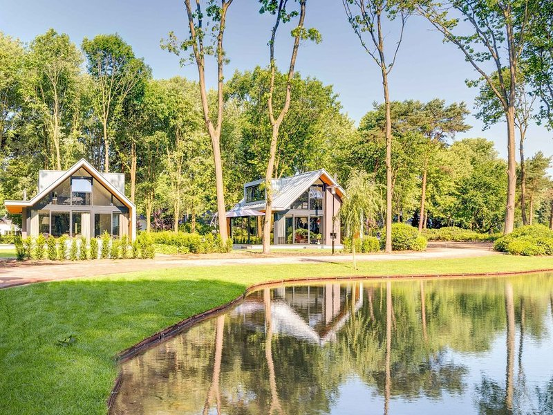 Detached superior 8 persons holiday home equipped with every luxury and comfort., holiday rental in Lunteren