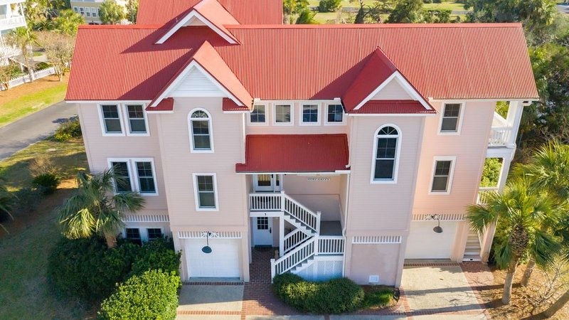 Stunning Beach House with Golf Cart, Steps to the Beach!, holiday rental in Saint Helena Island