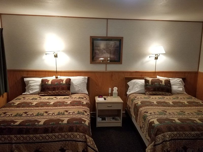 Skip the crowds! Come to the mountains at Three Bears Motel of Lincoln, MT!, holiday rental in Lincoln