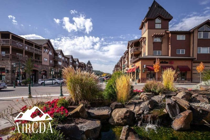 Stay Here! Award Winning Restaurants, Spas, Walk to Coffee & The Lake, holiday rental in Post Falls