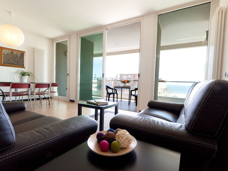 Penthouse Seaview Honeymoon, aluguéis de temporada em Rimini