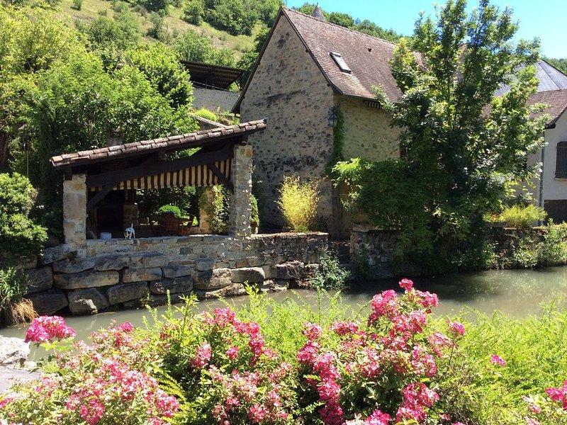 Gîte de charme aveyronnais, vacation rental in La Fouillade