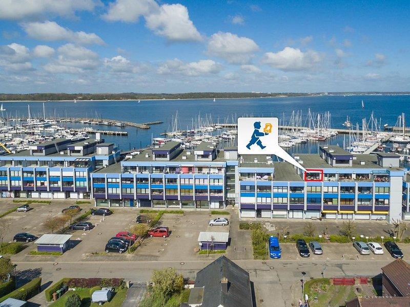 Blick auf Laboe und nur wenige Schritte vom Yachthafen entfernt, holiday rental in Kiel