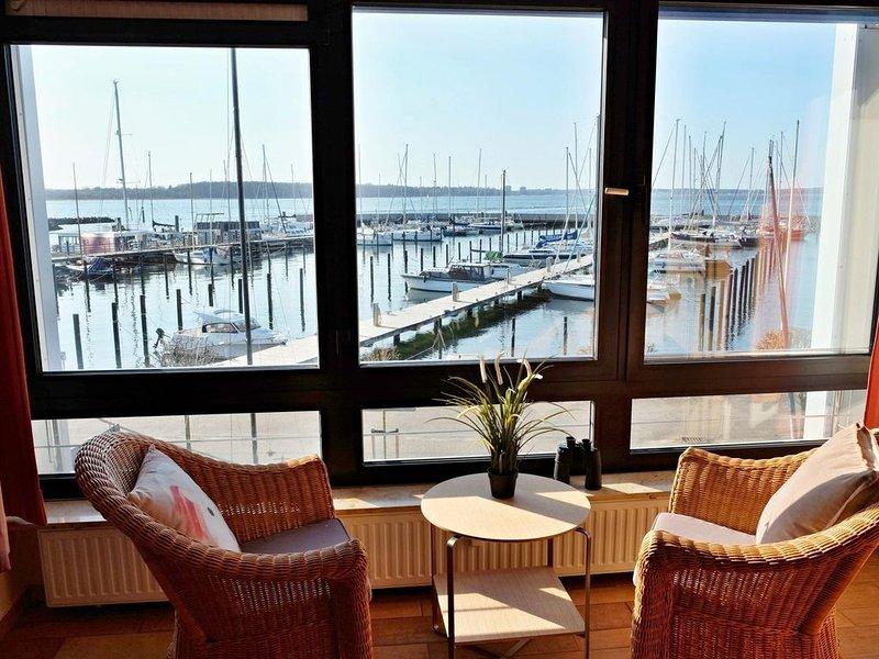 Direkt am Yachthafen mit Förde-Panoramablick, holiday rental in Kiel