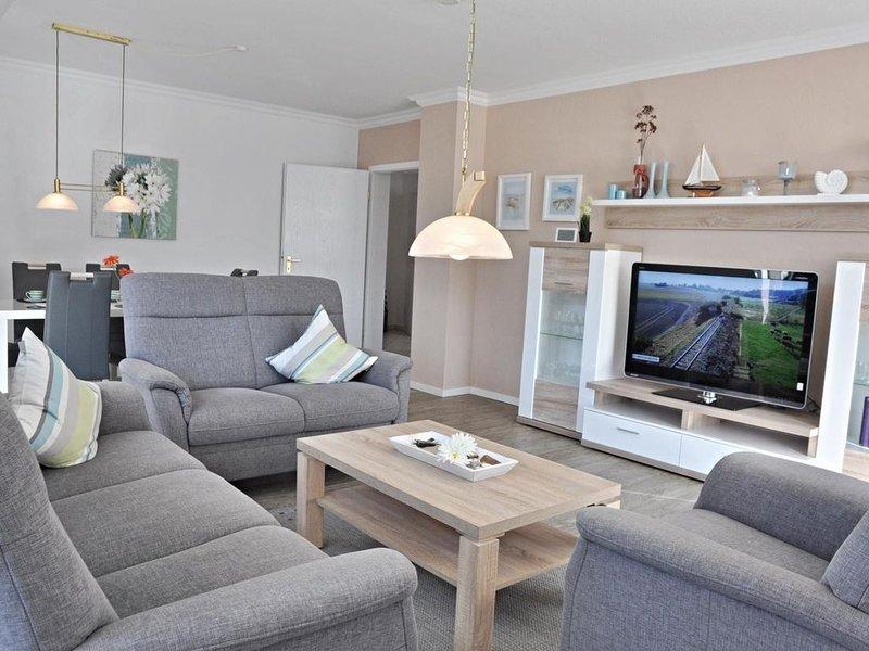 Schöne Wohnung mit Südbalkon in strandnaher Lage, holiday rental in Kiel