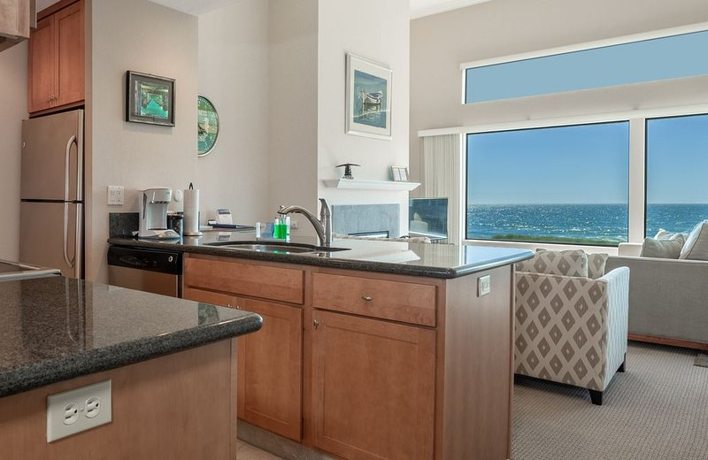 Beautiful Beach Condo on the Monterey Bay - Gorgeous Ocean Views, holiday rental in Pajaro Dunes