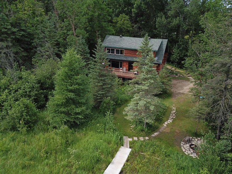 Peaceful  Log  Lake Home, The perfect Mn Vacation / Private getaway / ice fishin, casa vacanza a Park Rapids