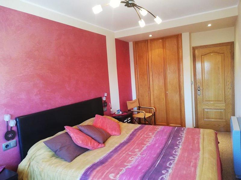 Apartamento con encanto y en buena zona., holiday rental in Jumilla