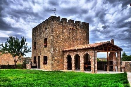 Casa rural (alquiler íntegro) Castillo Goyito 6personas – semesterbostad i Buniel