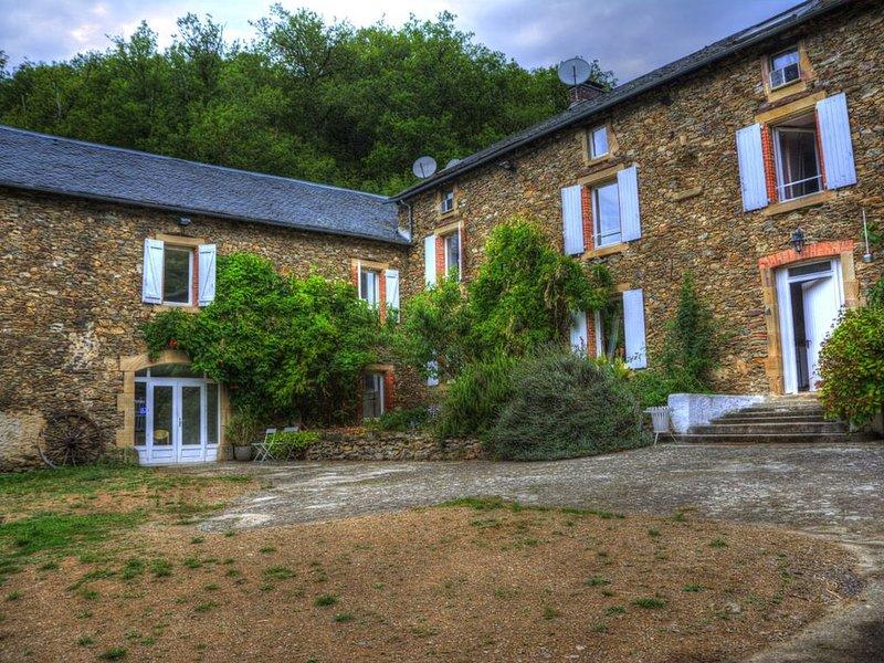 Chambres d'hôtes pour une re-connexion avec la nature, holiday rental in Serenac