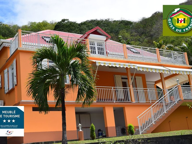 Villa Nameno -appartement 1 / Confort et Tranquillité.., holiday rental in Iles des Saintes