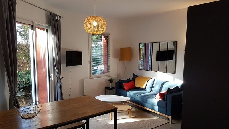 'A l'orée d'Angers'  résidence T1 bis  avec terrasse, holiday rental in Thorigne d'Anjou