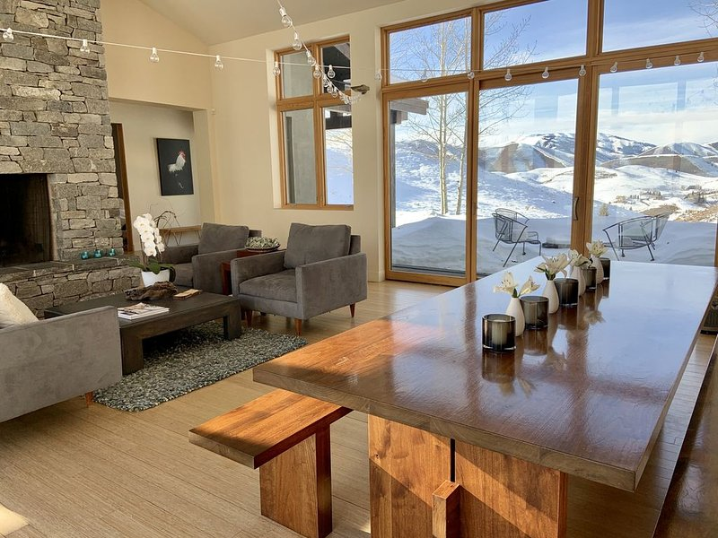 Enjoy 120 acres in Sun Valley with unparalleled views of Baldy and beyond, vacation rental in Hailey