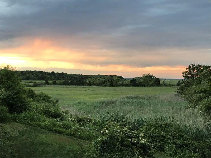 Cape Cod Bay & Quivett Creek Views-Great Sunsets!, Ferienwohnung in East Dennis