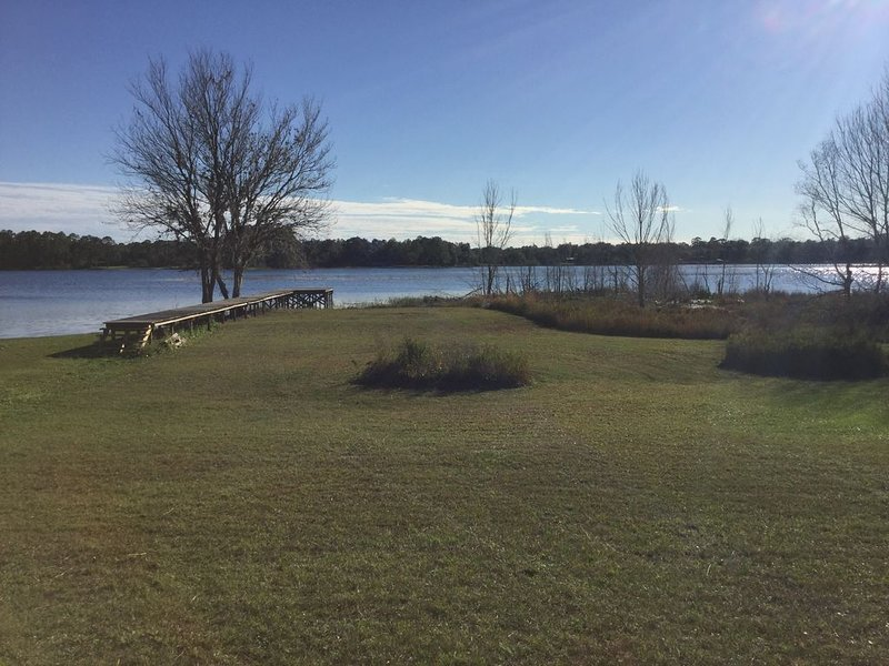 Florida Lakefront Getaway, holiday rental in Interlachen