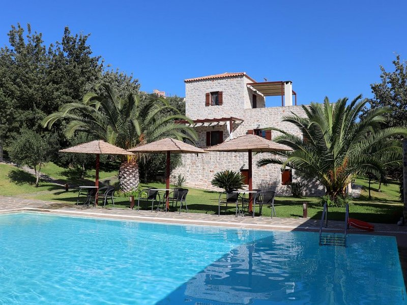 Ferienhaus mit Pool in ruhiger Lage, Wifi, bis 8 Pers., Lakonia, Peloponnes, location de vacances à Pagkia