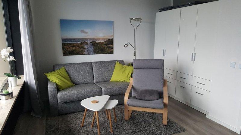 1 Zi.-Whg., Strandlage, Weitblick, WLAN, Balkon, 33qm, vacation rental in Sierksdorf