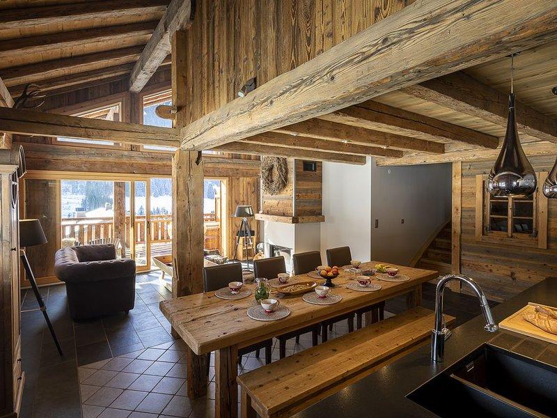 Le charme d'une ferme de plus de 100 ans associé a des matériaux contemporains, location de vacances à La Chapelle d'Abondance