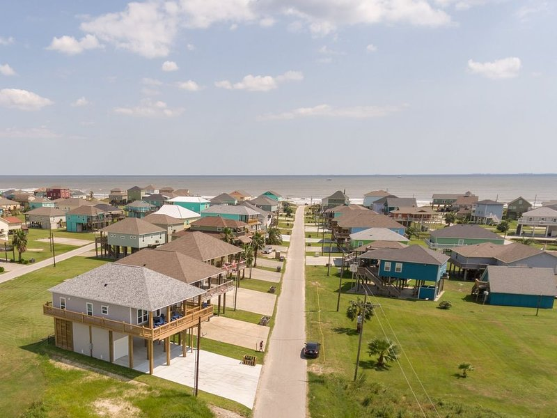 Salt Proof, Dog Friendly, Vacation Home, Crystal Beach, Texas, holiday rental in Crystal Beach