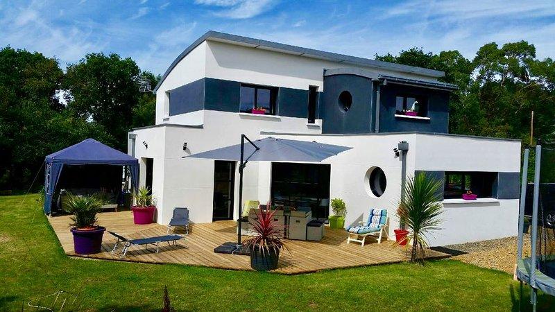 Villa côte de granit rose avec SPA, casa vacanza a Pleumeur Bodou