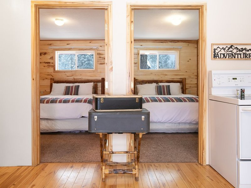 Convienent and Affordable West Glacier Lodging - Beargrass Lodging #1, Ferienwohnung in Hungry Horse