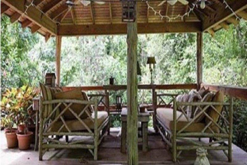 The Bridge:Harmony House, holiday rental in Weyanoke