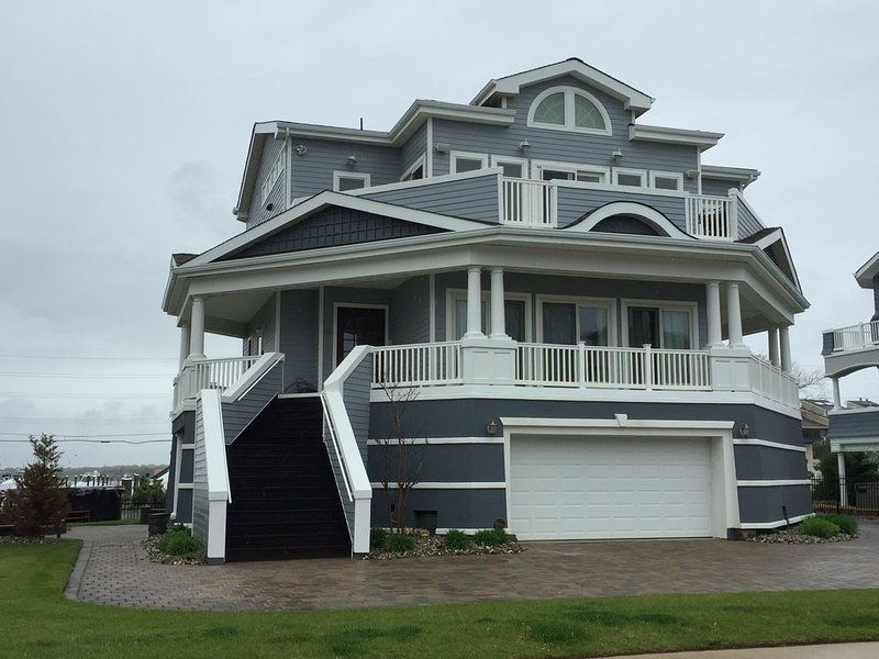 Private Home Across from the Beach, vacation rental in Highlands