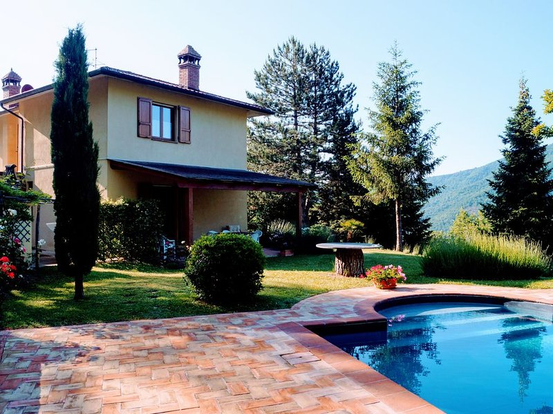 Countryside Family Villa With Private Pool, holiday rental in Morra