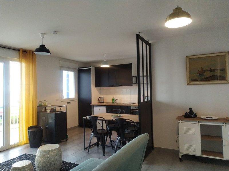 Très bel appartement avec pleine vue mer, location de vacances à Douvres-la-Delivrande