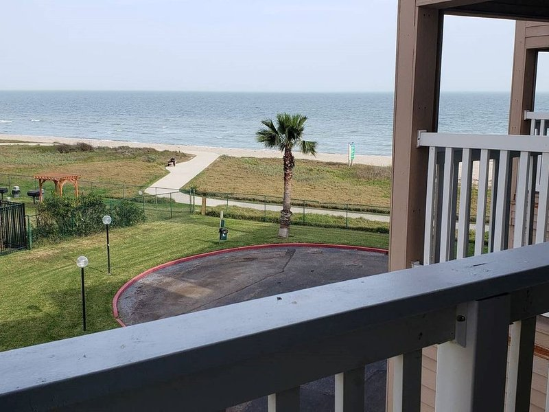 'The Getaway!' Condo, holiday rental in Robstown