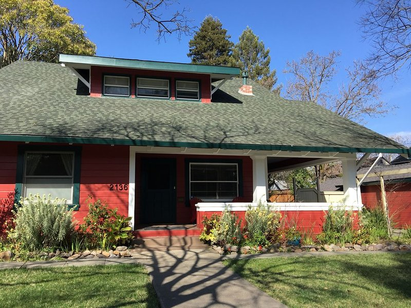 The Napa Art House - Old Town Napa, holiday rental in American Canyon