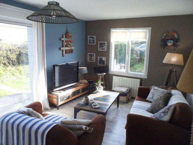 Portbail,  à 150 mètres de la plage, villa entièrement rénovée, holiday rental in Saint-Lo-d'Ourville