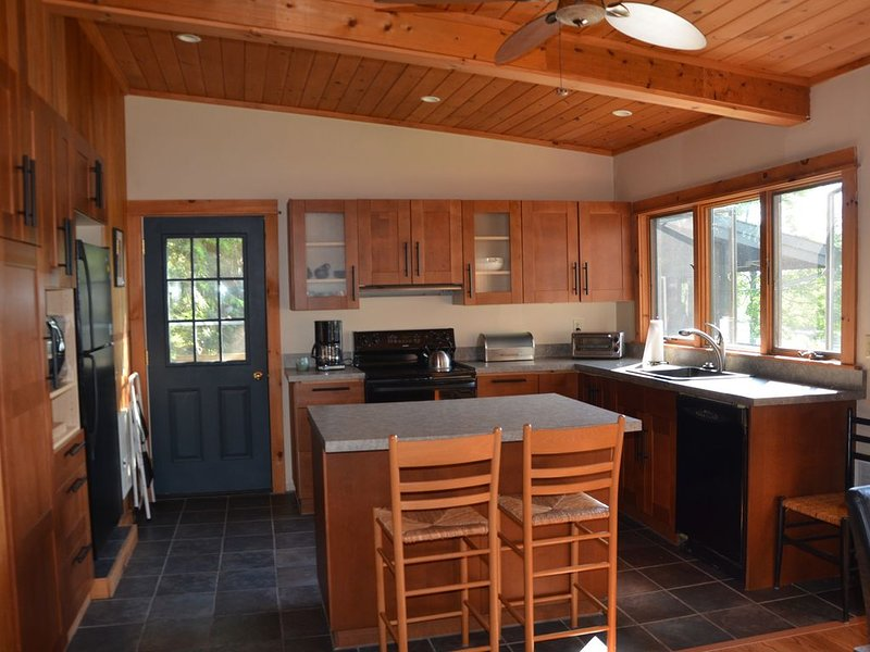 Tupper Lake Riverside House, vacation rental in Tupper Lake