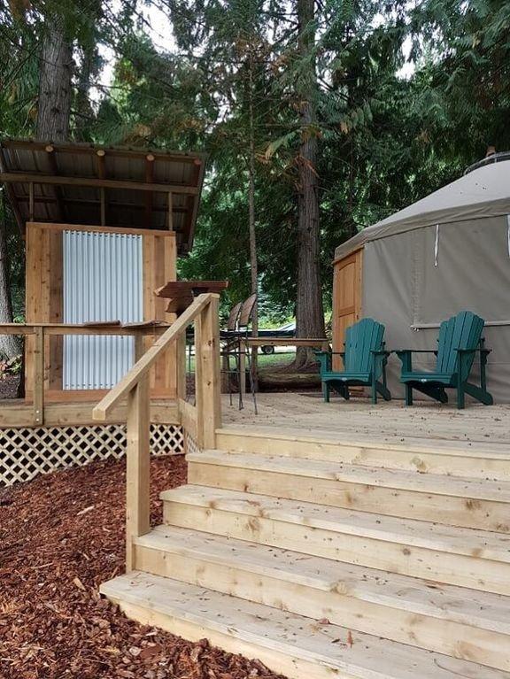Yurt däck och tvättstuga