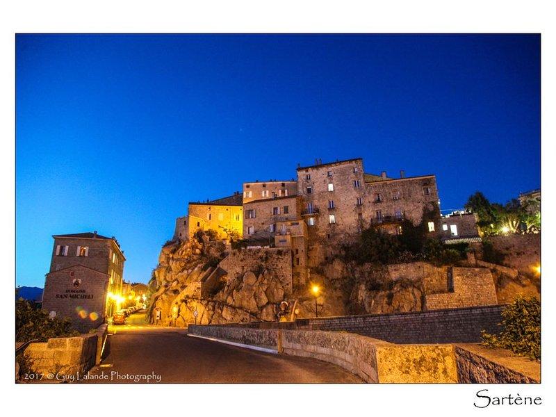 Petit nid au coeur de la vieille ville, location de vacances à Sartène