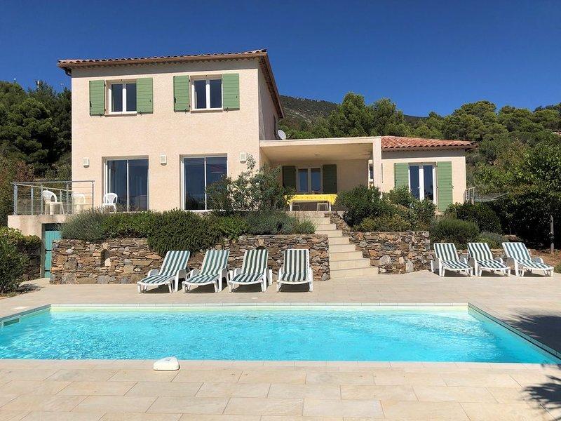 Au soleil à Roquebrun:  villa récente, lumineuse et confortable, holiday rental in Causses et Veyran