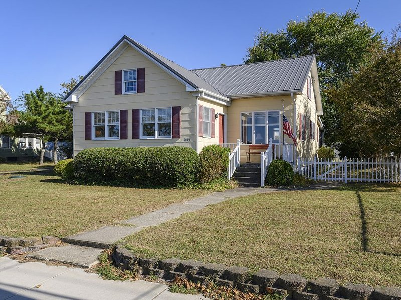 The perfect Chincoteague Island Location and close to Pony Festivities!, alquiler de vacaciones en Horntown