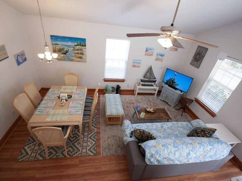City Woes to Sandy Toes (pet-friendly, fenced yard), holiday rental in Bolivia