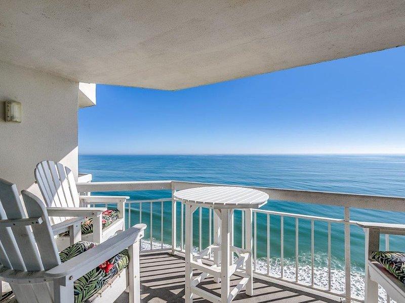 Breathtaking Views Oceanfront 3 bed 2.5 bath Penthouse Condo Waters Edge Resort, aluguéis de temporada em Murrells Inlet