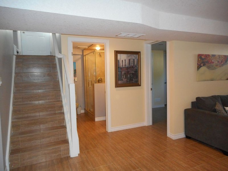 Inviting apartment with private entrance & parking, vacation rental in Komoka