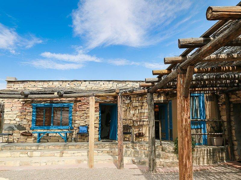 The Santa Elena Room - 50 minutes from Santa Elena Canyon., holiday rental in Terlingua