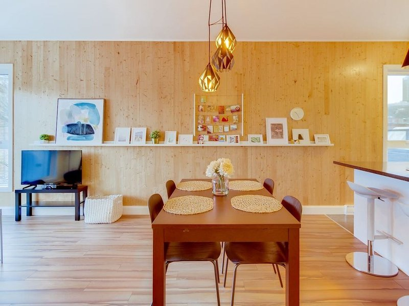 The Artsy | 4 pers | calm and bright - The Kaméléon, holiday rental in Wendake