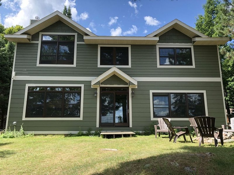 WEST HAGERMAN LAKE HOUSE (Iron River, MI):Sleeps 12 MAX, comes with boats, great, holiday rental in Iron River